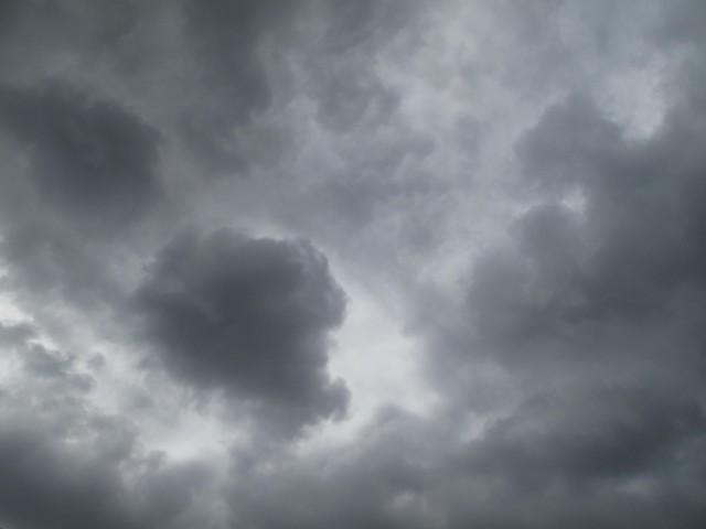 céu em cinza